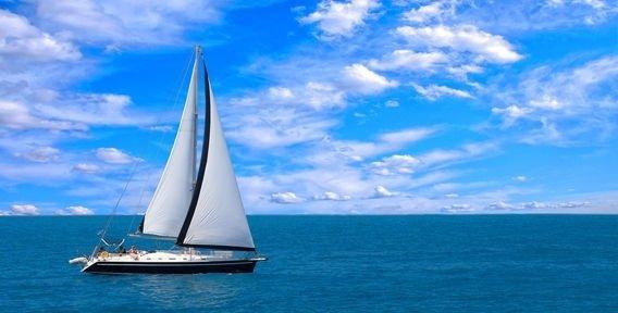парусные лодки на воде изо 4 класс